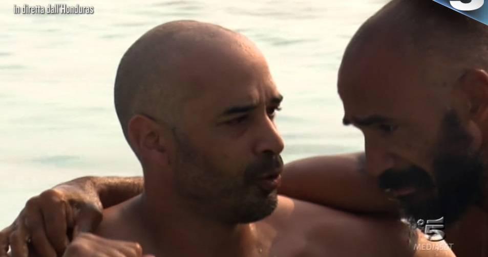 isola-famosi-2018-amaurys-incontra-fratello(2)