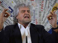 Beppe Grillo, tour annullato: il comico sta male, cosa è suc