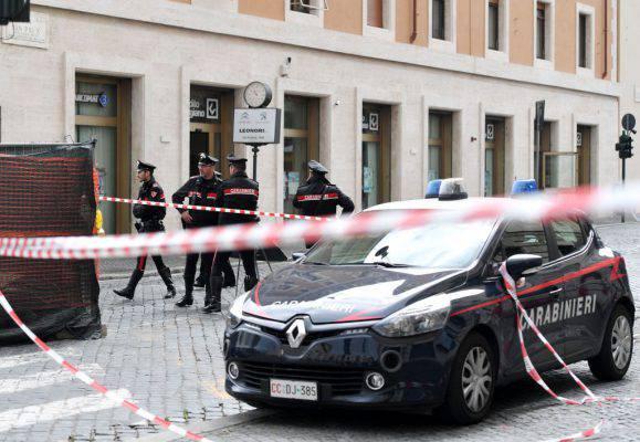 Catania: esplosi tre colpi di pistola a casa della maestra sospesa per maltrattamenti