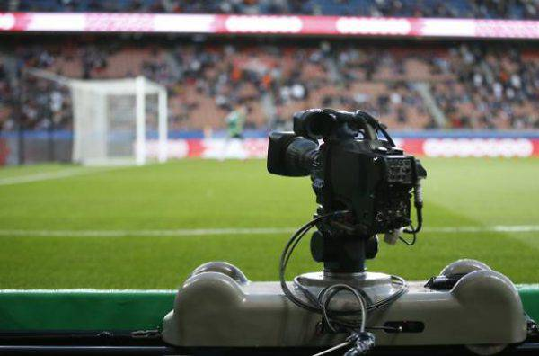 Diritti tv Serie A, Sky batte Mediapro: il bando è da rifare