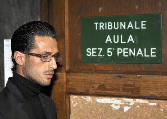 Fabrizio Corona, il giudice concede social network e possibilità di tornare a fare il suo lavoro