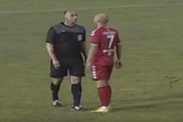 Serbia, arbitro fischia rigore inesistente: arrestato per abuso d'ufficio