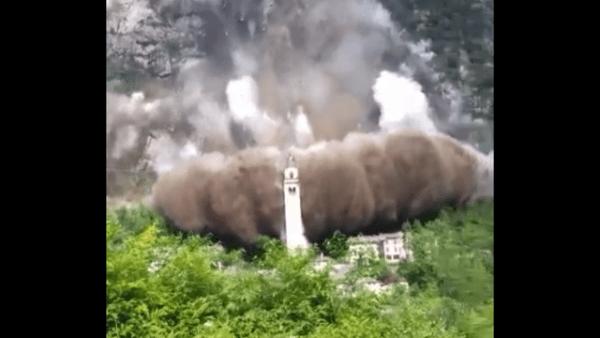Valchiavenna: la frana isola Madesimo e Campodolcino - Video