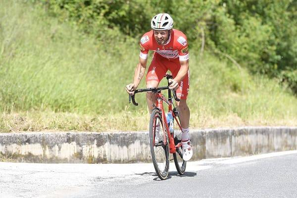 Simon Yates ha vinto in Maglia rosa l'11ª tappa del Giro d'Italia