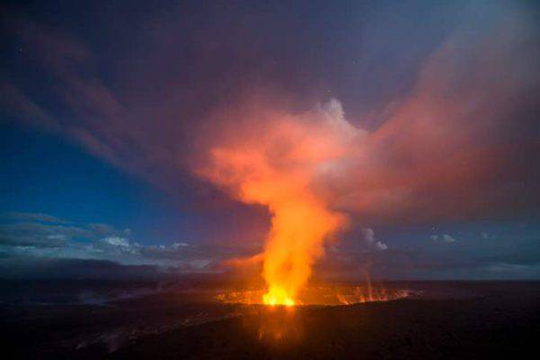 Hawaii, eruzione del vulcano Kilauea: paura ed evacuazione immediata