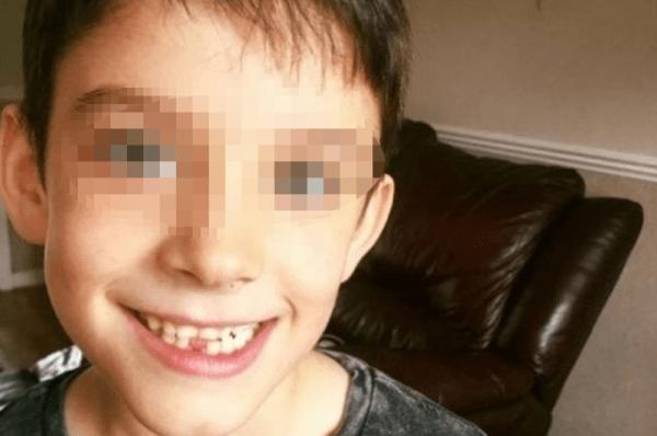 Bambino di 7 anni al mare coi genitori muore all'improvviso