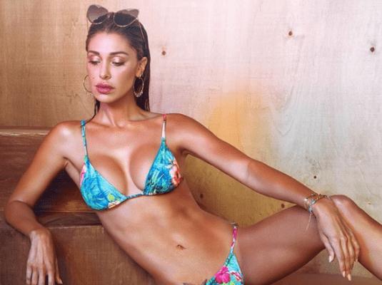 """Belen Rodriguez: """"Sono stata costretta a rifarmi il seno"""""""