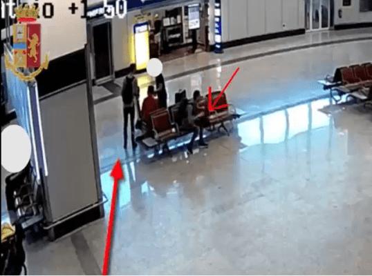 Malpensa: ladri derubano turista, incastrati dalle telecamere - VIDEO