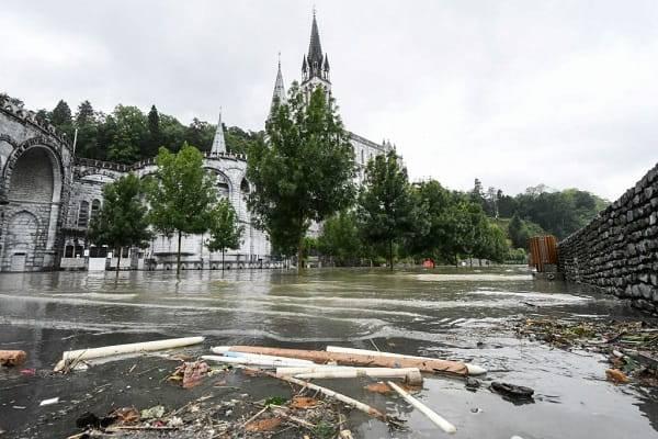 Lourdes allagata