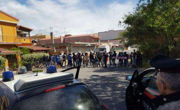 Spari contro migranti in Calabria