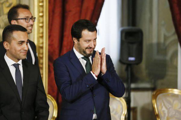 """Casale: """"Mettete i figli di Salvini sull'Aquarius"""", lui risponde: """"Si vergogni"""""""