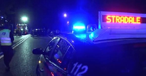 Auto finisce fuoristrada, gravi il padre ed il figlio di 2 anni