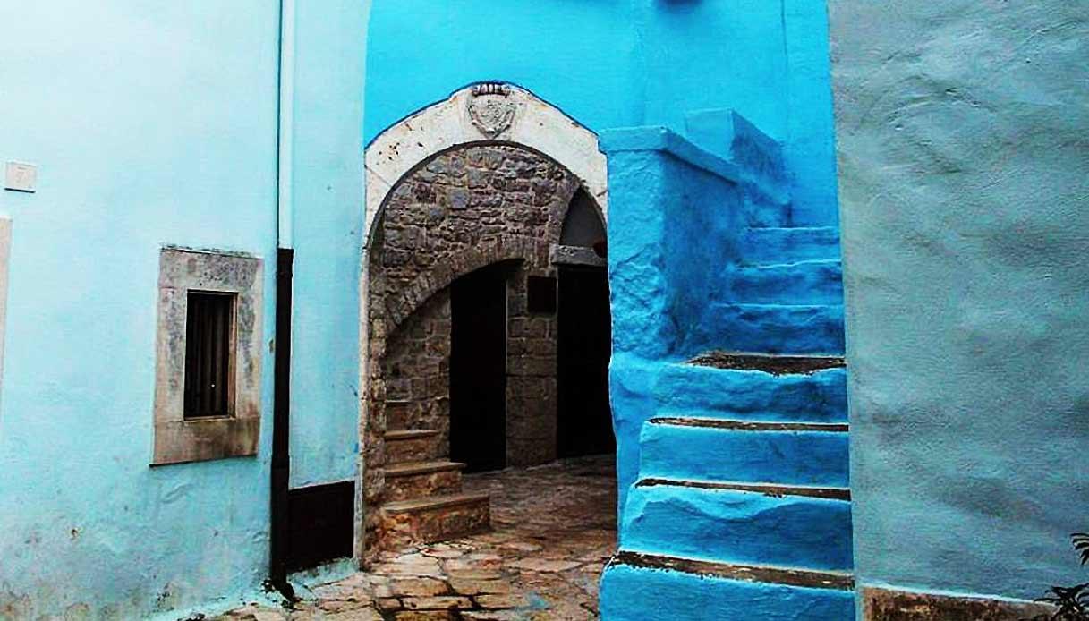 Colorati D Azzurro Chiaro casamassima, in puglia è il borgo colorato d'azzurro più