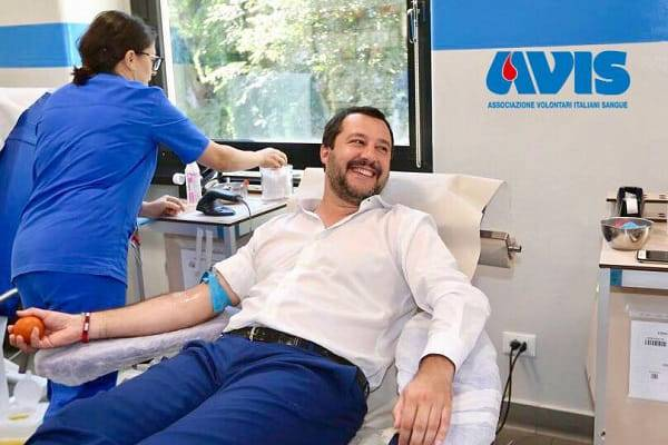 Matteo Salvini sangue