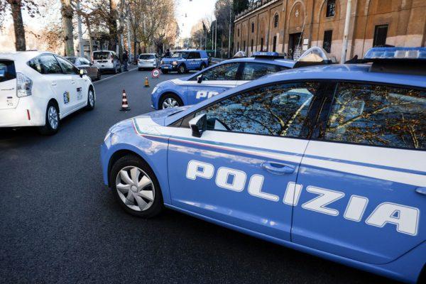 Napoli, muore 21enne: è caduto per 10 metri mentre puliva un ascensore