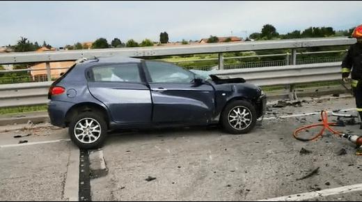 Scontro frontale tra auto e camion: muore un ragazzo di soli 20 anni - VIDEO