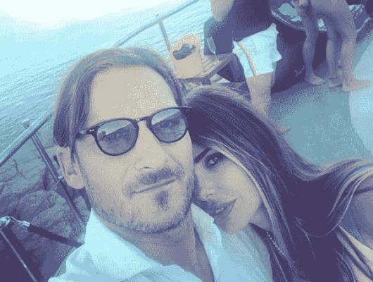 La vita di Ilary Blasi e Francesco Totti si trasforma in una sit-com