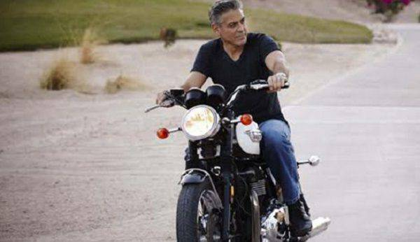 Olbia, grave incidente in moto per George Clooney