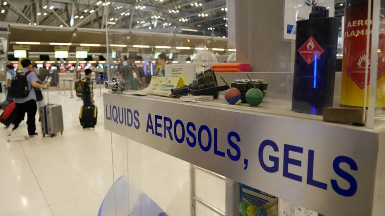 Bagaglio a mano cosa vietato tutte le regole in aereo - Si puo portare il phon nel bagaglio a mano ...