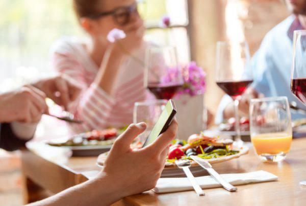 cellulare vietat al ristorante