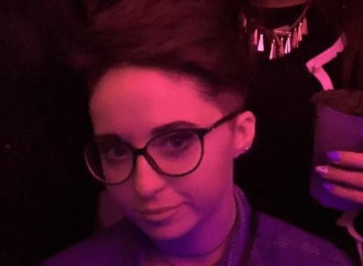 Anna, 19 anni: i genitori provano a svegliarla, ma lei è morta nel sonno