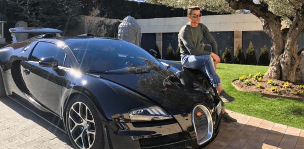 Cristiano Ronaldo, il cambio dell'olio alla sua Bugatti costa quanto un'auto nuova