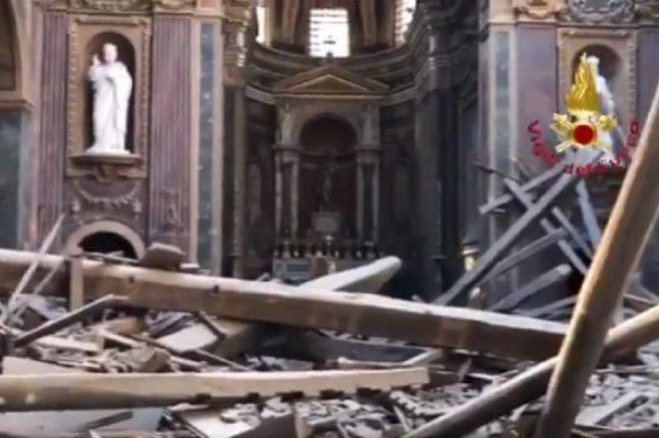 chiesa crollata