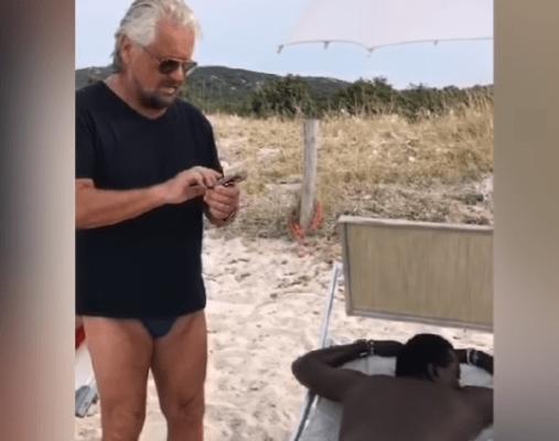 """Grillo chiama Salvini: """"C'è un nero in spiaggia che si mischia con noi, fai subito qualcosa"""" - VIDEO"""