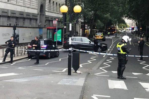 Londra, torna il terrorismo: il Parlamento sotto attacco