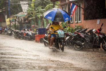india-monsoni-morti-danni-rischio-epidemie