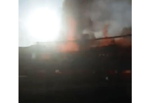 Inferno di fiamme sull'A1