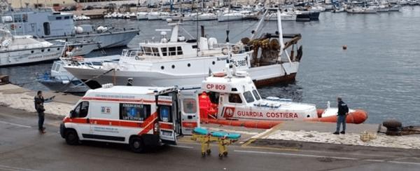 Trieste, tragedia in mare sulla barca a vela: morto un uomo, la moglie si salva