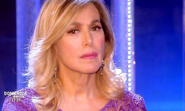Barbara D'urso 'cancellata' dalla Rai. Interviene pure il Pd