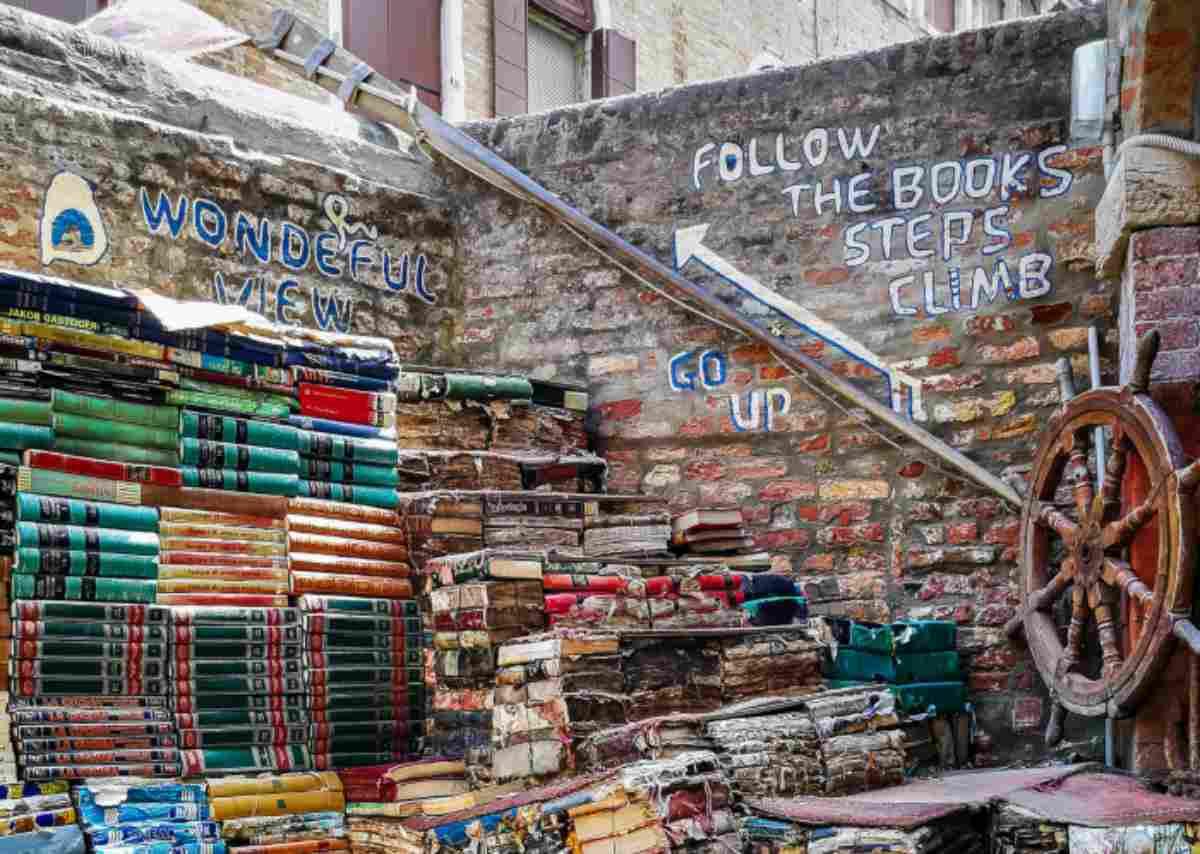 La libreria dell'Acqua Alta a Venezia