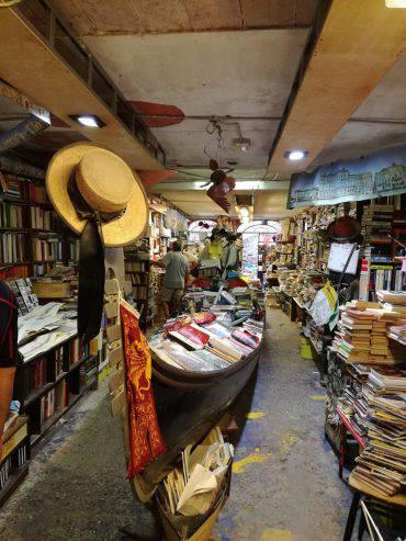 libreria-acqua-alta-venezia