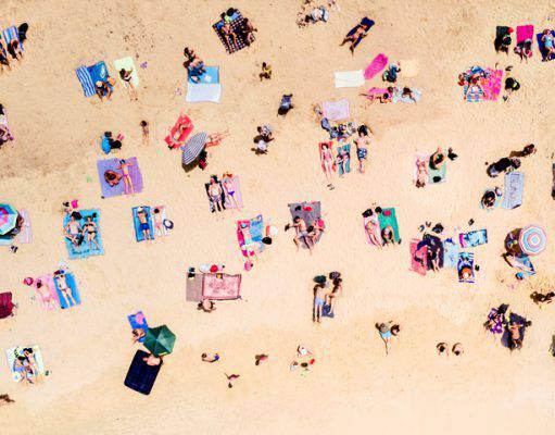 oggetti-dimenticati-spiaggia-estate-2018