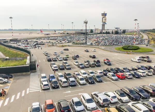 parcheggio in aeroporto