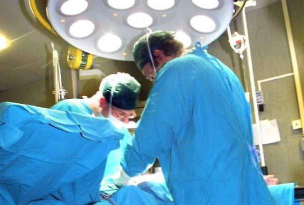 chirurgo ubriaco parto