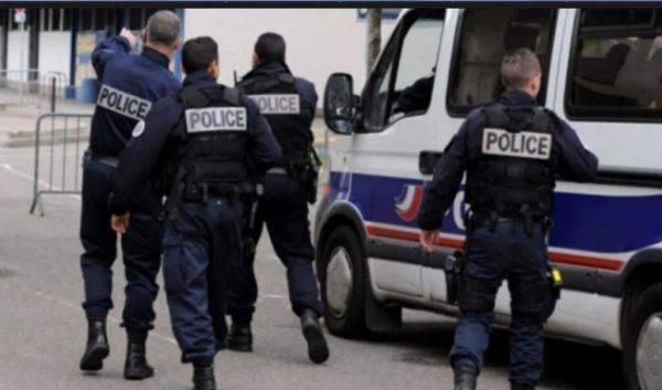 Minaccia Macron