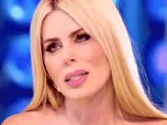 """Loredana Lecciso, scandalosa rivelazione in diretta: """"E' tan"""