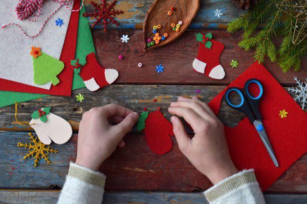 Decorazioni albero di natale 2018 gli addobbi natalizi for Addobbi per la classe natale