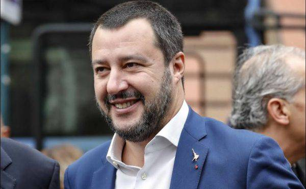 Salvini in diretta