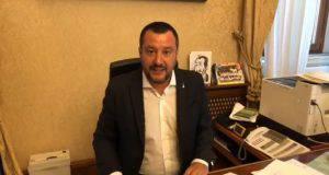 Matteo Salvini in diretta Facebook