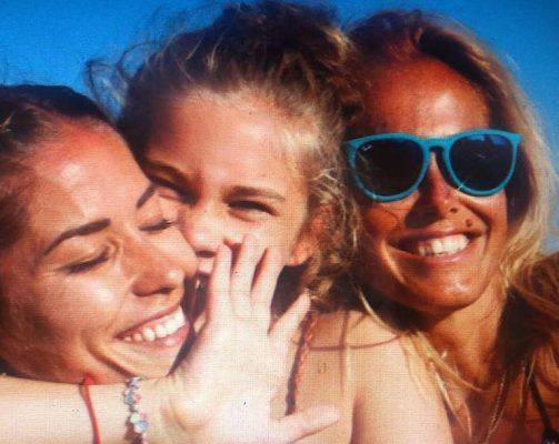 Elena Santarelli tumore figlio: il gesto di Sonia Bruganelli, moglie di Bonolis