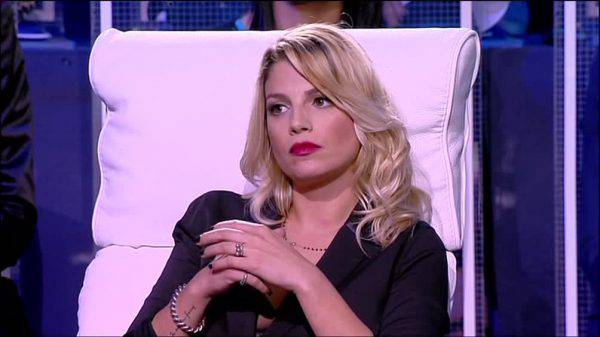 Emma Marrone maltrattata da Maria De Filippi