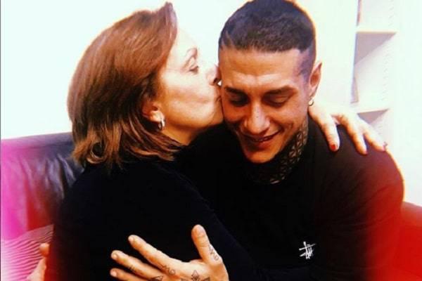 francesco chiofalo abbraccio madre