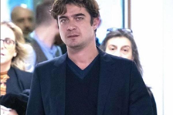 Verissimo 8 Dicembre: J-Ax e Riccardo Scamarcio tra gli ospiti della Toffanin