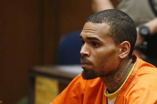 chris brown arrestato