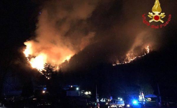 bruciati 50 ettari di bosco sul Monte Martica