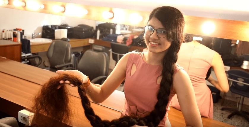 Nilanshi: la ragazza con i capelli più lunghi del mondo